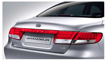 Rear end of the Hyundai Grandeur